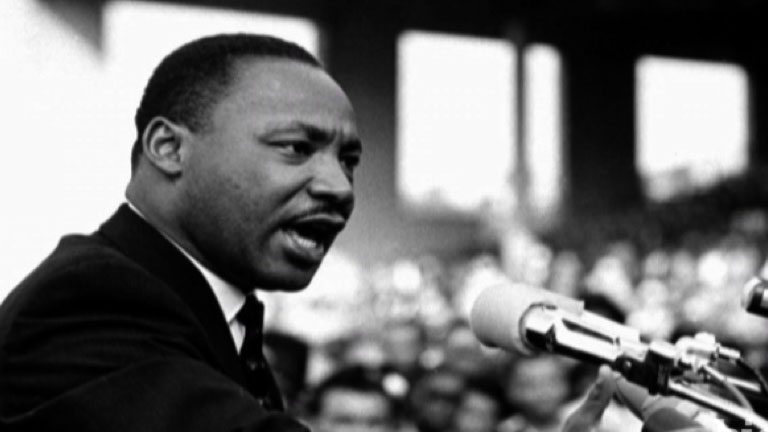 MARTIN LUTHER KING Jr. - Biography - Civil Rights Activist.