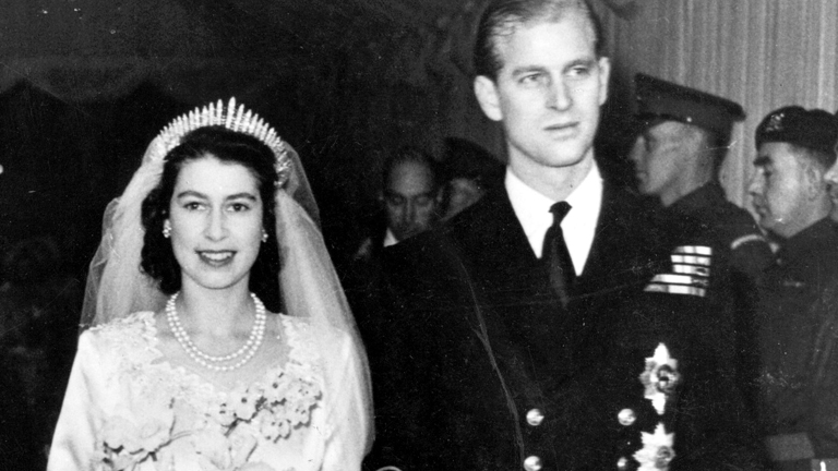 Queen Elizabeth II - Queen - Biography.com