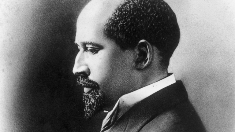 washinton vs dubois Get an answer for 'discuss the differences between booker t washington and web dubois they had different philosophies regarding education, work, and politics.