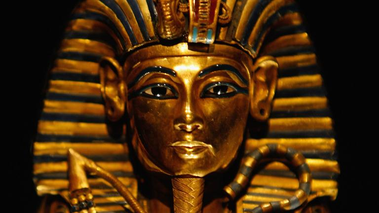 biography about tutankhamun Early life little is known of tutankhamen's childhood even the identity of his parents remains a mystery historian believe tutankhamen was the son.