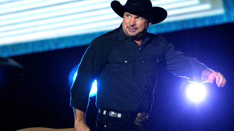 a short biography of garth brooks a singer songwriter Jerrod niemann biography by steve leggett a kansas songwriter and country singer who has penned songs for garth brooks, neal mccoy, and others.