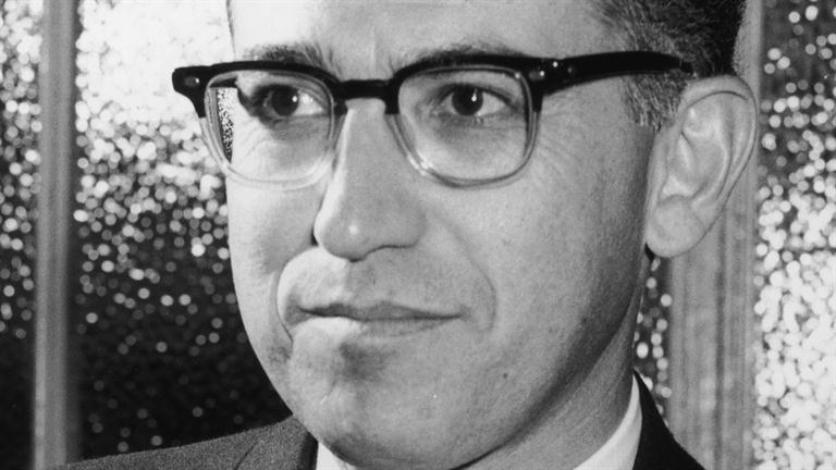 an introduction to the life of dr jonas edward salk Jonas edward salk was born in new york city on october 28, 1914, the oldest of  three sons of daniel and dora salk the family moved to the bronx, new york,.