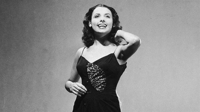 a biography of lena horne an american singer dancer actress and civil rights activist The classic lena horne lena mary calhoun horne (june 30, 1917 – may 9, 2010) was an american singer, actress, civil rights activist and dancer.